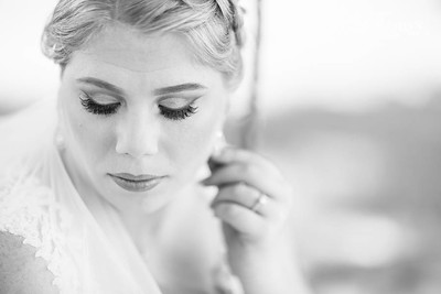 Pretty bridals at the Carriage House in Conroe Texas outside of Houston