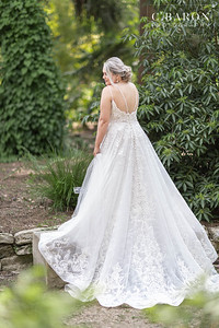 Pretty Summer Bridal Session at Mercer Botanical Gardens in North Houston Texas