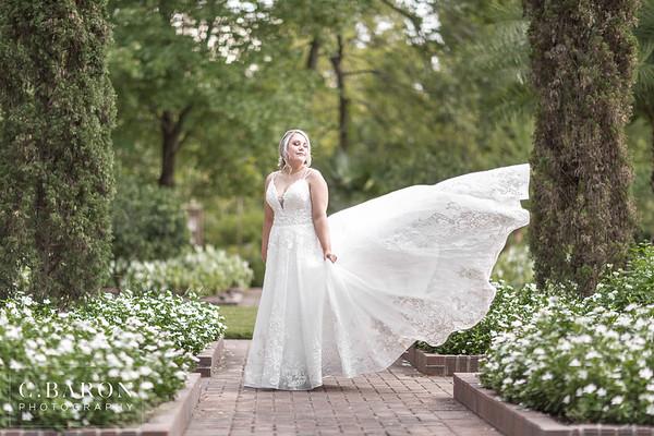 Pretty Summer Bridal Session at Mercer Botanical Gardens in North Houston Texas
