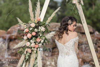 Pretty wedding editorial at the Falls Event Center in Waller Texas