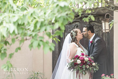 Beautiful autumn wedding at the Parador near the Museum District in Houston Texas