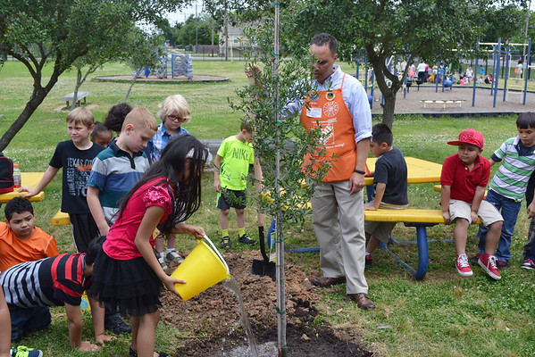 Earth Day at Stewart Elementary
