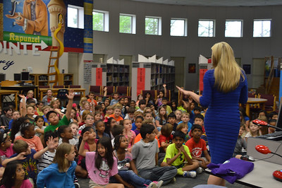 KHOU Meterologist Chita Johnson Visits North Pointe Elementary