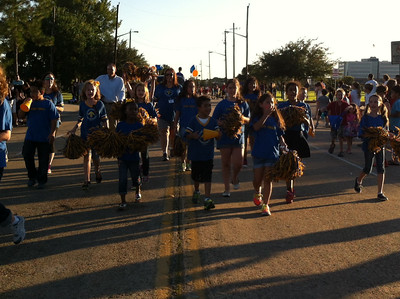 Clear Lake City Elementary Students March in the Clear Lake High School Homecoming Parade