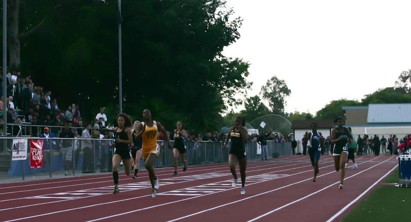 Girls 400 Meter Finals-6473