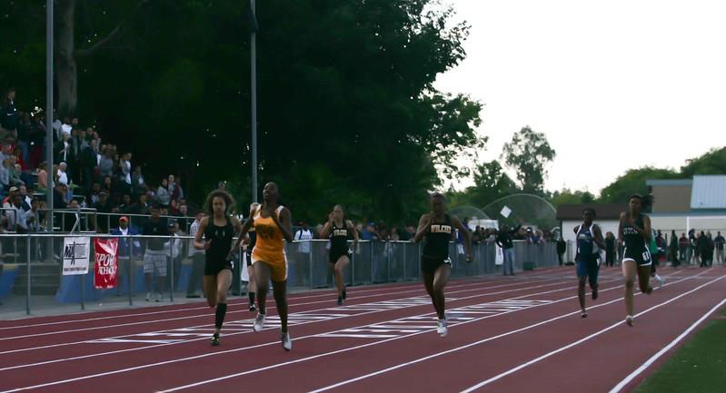 Girls 400 Meter Finals-6475