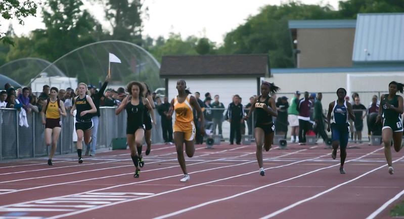 Girls 400 Meter Finals-6471