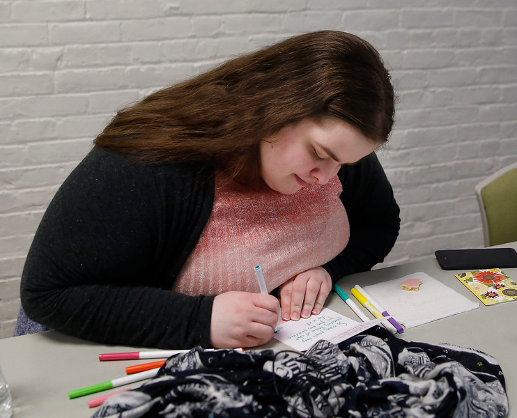 HOLLY PELCZYNSKI - BENNINGTON BANNER Jennie Mebbe, of Bennington writes inspirational messages in cards that will go to veterans.