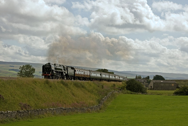 70013 heads along the S and C at Selside whilst working from Preston - Carlisle on the 'Cath Ex' of 25th August 2011.