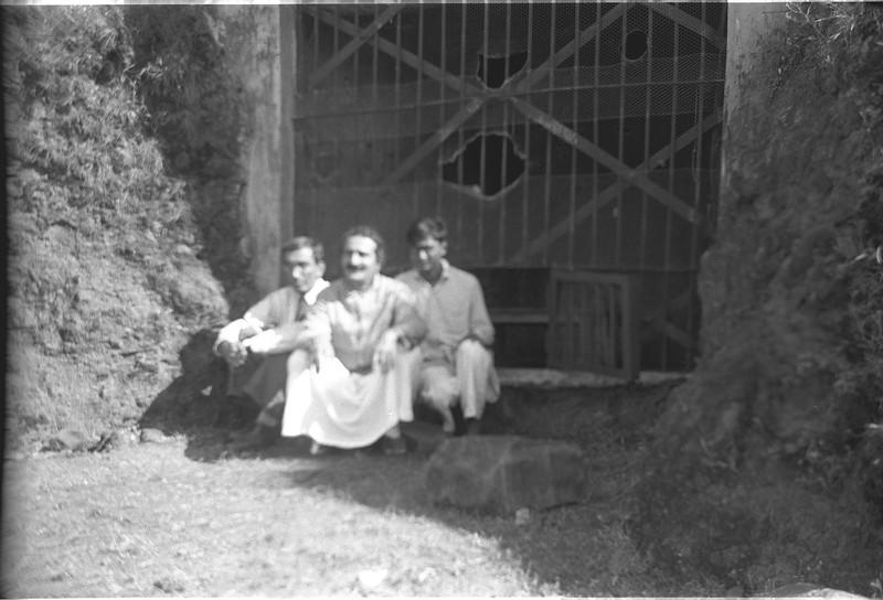 murli kale with Meher Baba Panchgani 1935, Murli on baba's left