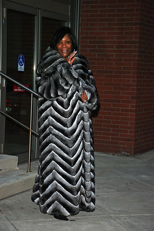Patti LaBelle leaves rehearsal at the Kimmel Center (no make up)