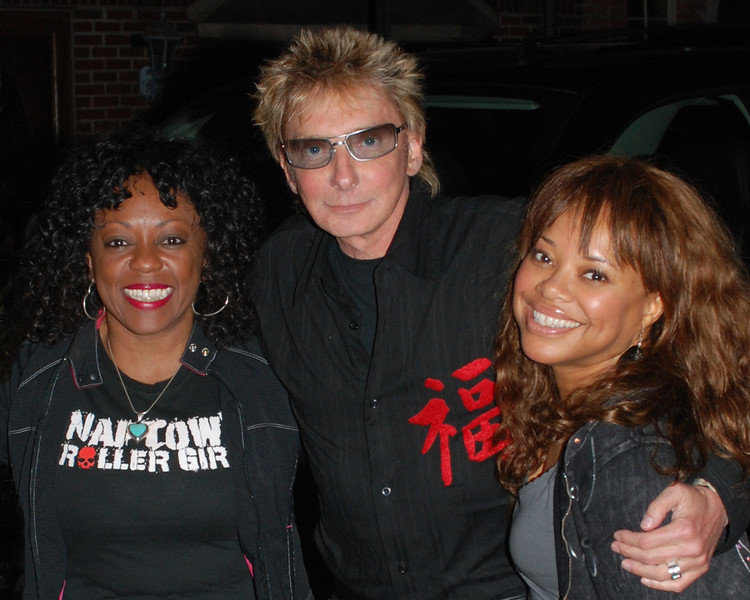 Barry Manilow and his assistants arrive for dinner at The Saloon in South Philadelphia the night before his kick-off tour of the USA. (Photo Credit: HughE Dillon)