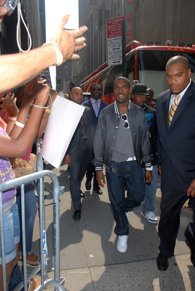"Exclusive: Kanye West arrives at the FYE record store to sign copies of his new CD ""Graduation"" which arrives in stores on September 11, 2007 (Photo Credit: HughE Dillon)"