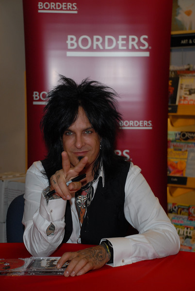 Nikki_Sixx_Borders_Book_Signing_Philly_HJD_18 (6)