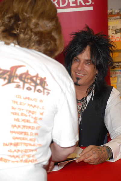 Nikki_Sixx_Borders_Book_Signing_Philly_HJD_18 (9)