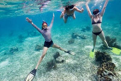 Women snorkeling, Turneffe Atoll, Belize Barrier Reef, Belize