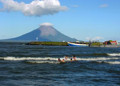 OMOTEPE VOLCANO - LAKE NICARAGUA
