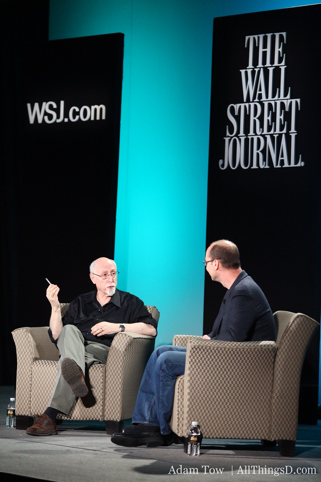 Walt talks about the Nexus One with Google's Andy Rubin.