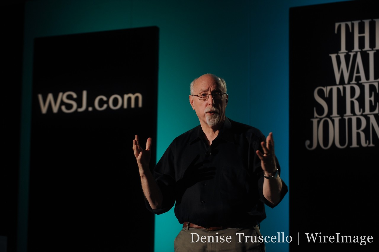 Walt Mossberg introduces the final speaker, Google's VP of Engineering, Andy Rubin.