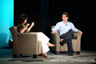 All Things Digital's Kara Swisher and Palm CEO Jon Rubinstein, live from Las Vegas.