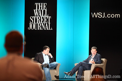 Netflix CEO Reed Hastings fields questions from the crowd during his interview with MediaMemo's Peter Kafka.
