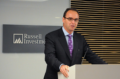 048CFA_Oct912_social_Russell_Investments