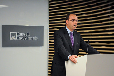 049CFA_Oct912_social_Russell_Investments