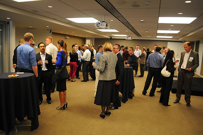 038CFA_Oct912_social_Russell_Investments