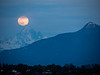 Moonrise / sunset photographed from the grounds of the Châteua de Penthes