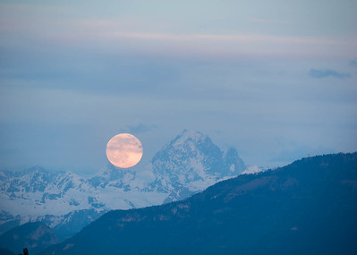 Moonrise from Chateau des Penthes