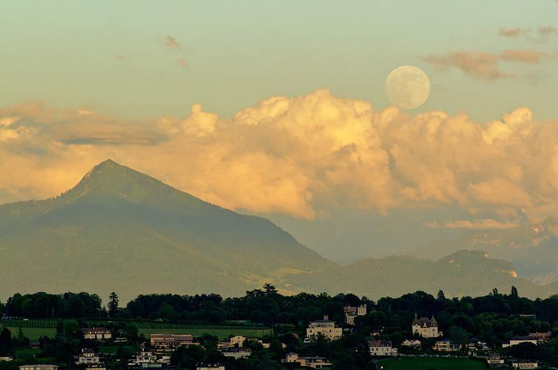 2013-06-22 Pregny Moonrise