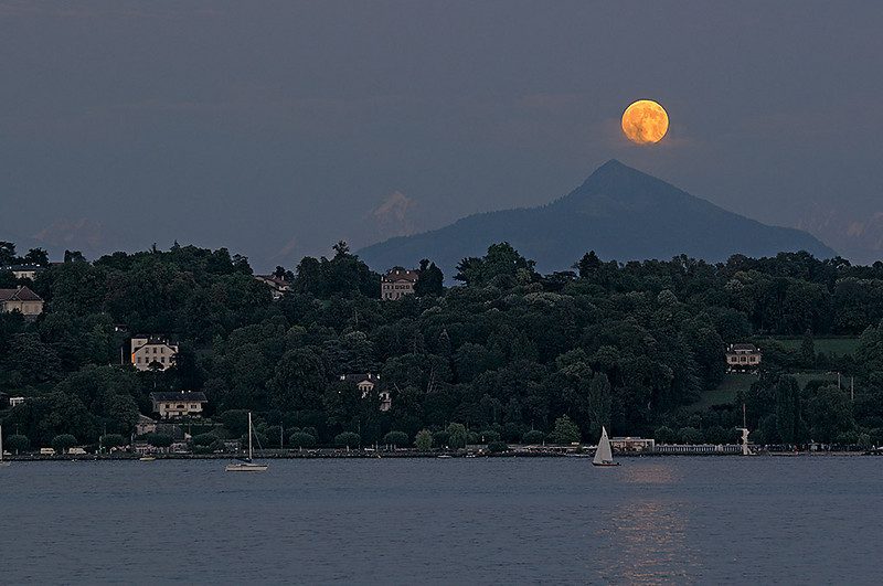 Moonrise at Lake 08_DSC3821_2009-08-05