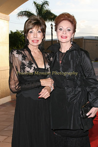 IMG_1282 Elaine Russell & Lynda Levitsky