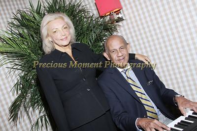 IMG_9644 Susie Smithers & pianist Confrey Phillips
