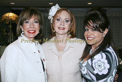 IMG_2069-Elaine Russell, Lynda Levitsky,Debora Hartman