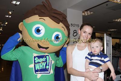 IMG_4232 Amanda & Bradley Lewis with Super Y