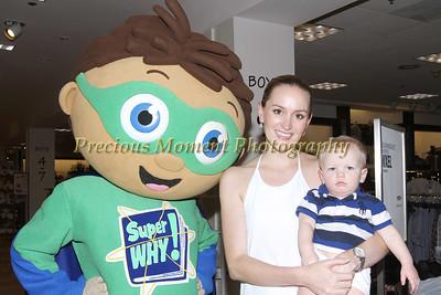 IMG_4230 Amanda & Bradley Lewis with Super Y