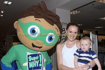 IMG_4231 Amanda & Bradley Lewis with Super Y