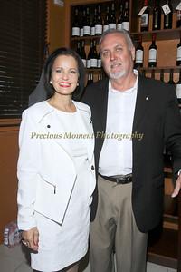 IMG_7388 Dr Rosina Zimmer & Joey Earl