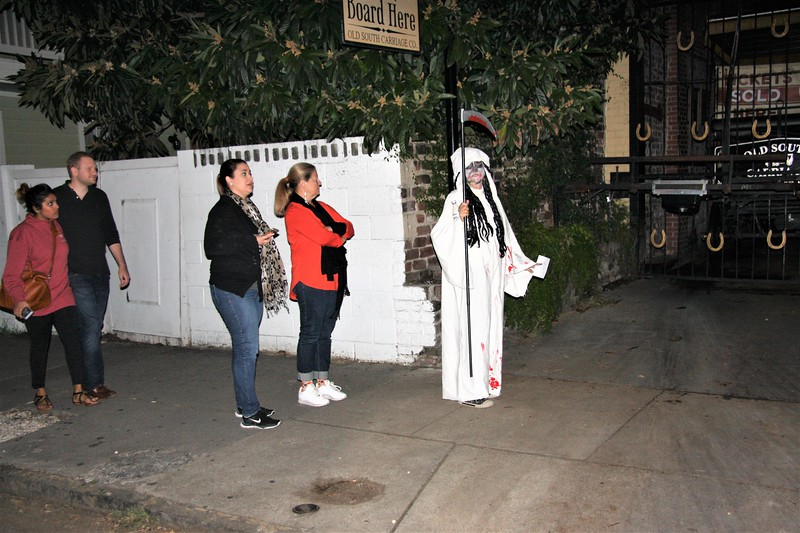 GHOST TOUR GUIDE