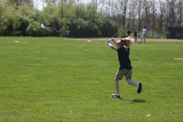 CHCA 2008 6th Grade Math/Science Kites 4.24