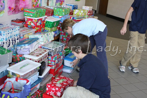 CHCA 2008 EBL Christmas Child Boxes 11.21