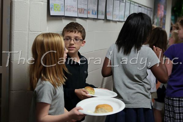 CHCA 2013 UE 4th Grade Thanksgiving Feast 11.26