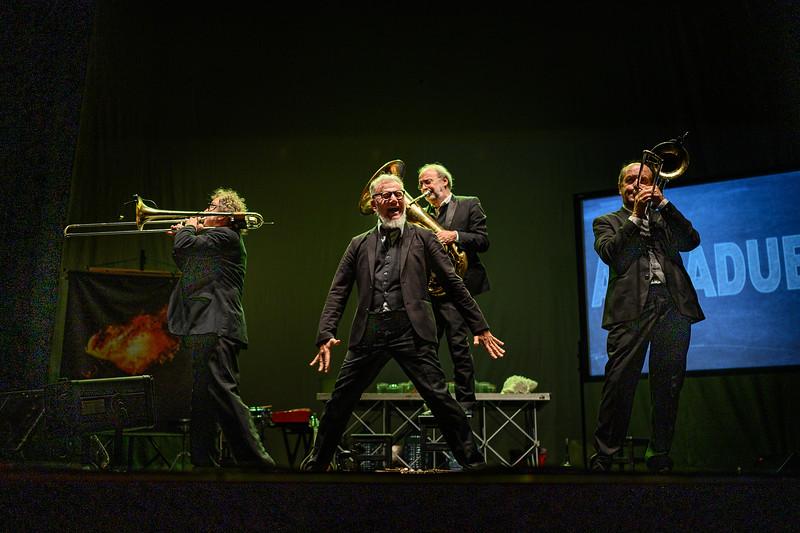 AcquaDueO /  Banda Osiris e Telmo Pievani