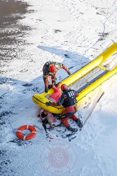 Water Rescue Response 35th Street Bridge at Racine December 2017