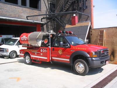 Chicago FD Foam Truck 631