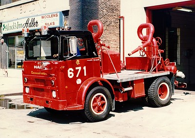 CFD TURRET WAGON 6-7-1  MACK MB AT ENGINE 1'S HOUSE
