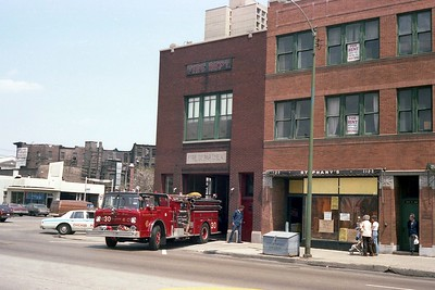CHICAGO  ENGINE 30   FORD C8000 - SEAGRAVE - Copy
