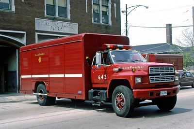 CHICAGO FD  AIR MASK 6-4-2  FORD F -   BACKING IN
