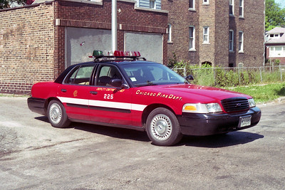 DEPUTY DISTRICT CHIEF 2-2-5  FORD CROWN VICTORIA